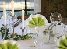 Tisch (2)